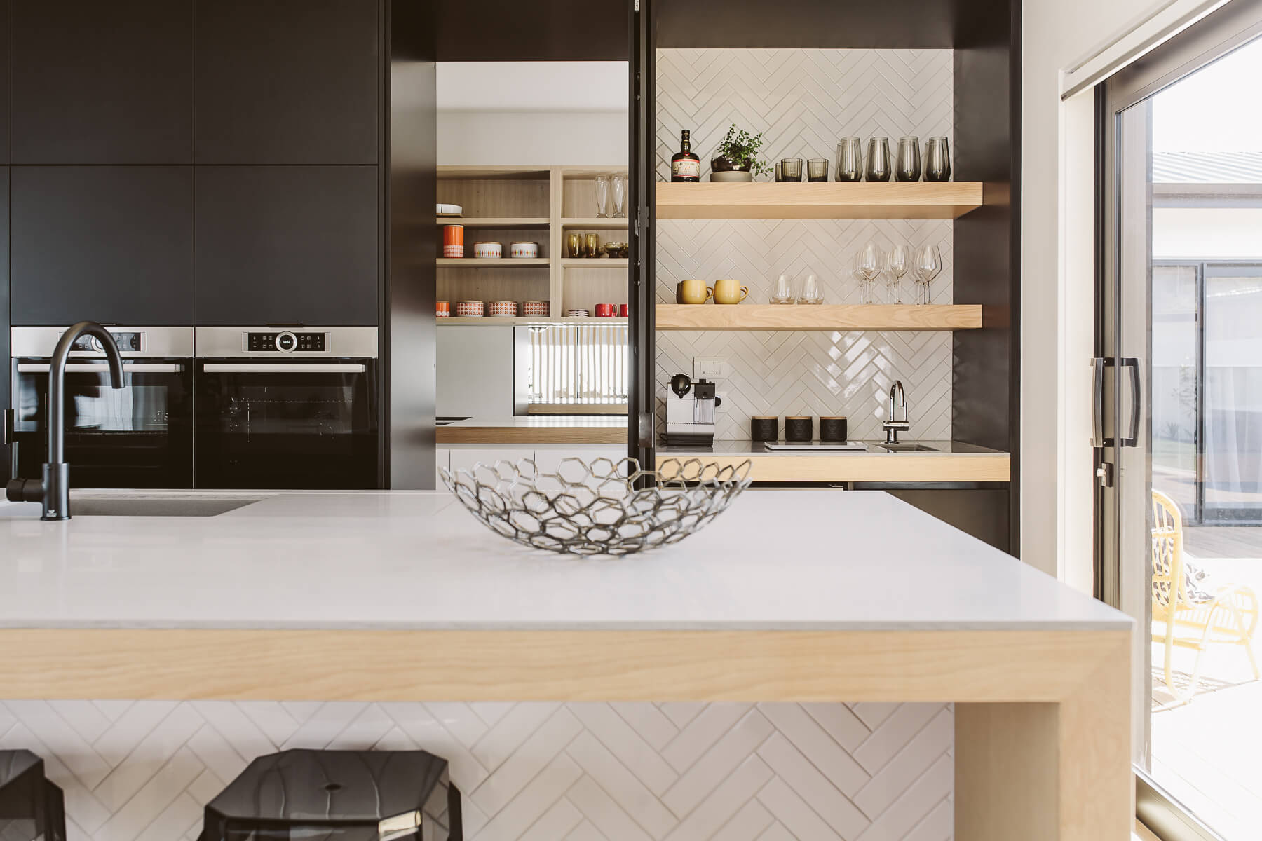 Invisedge Black Naturale | Rowson Kitchens in New Plymouth