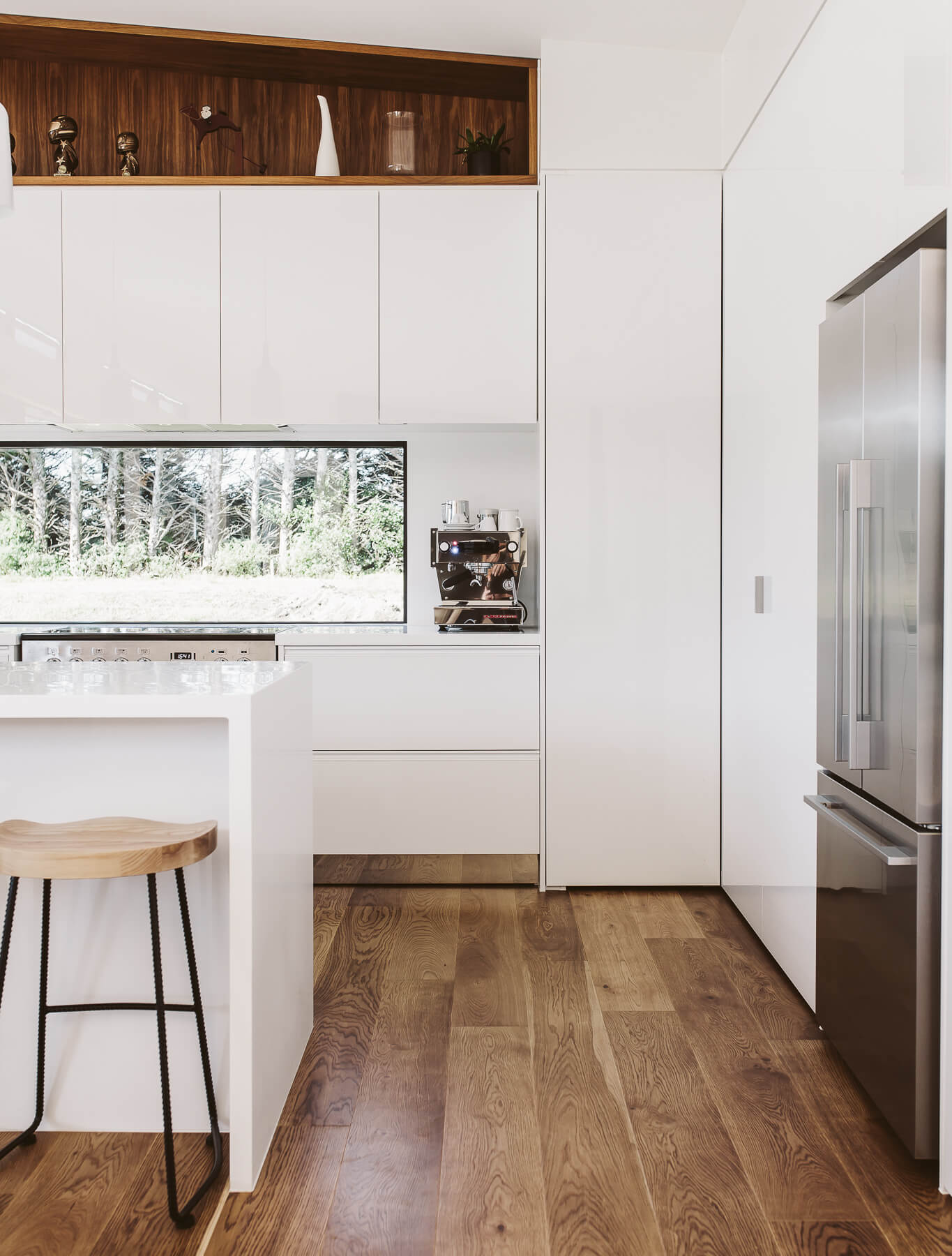 Acrygloss high gloss doors with doors with a difference sage doors acrygloss white rowson kitchens in new plymouth solutioingenieria Images