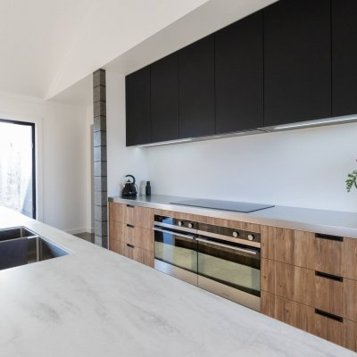 Kitchens & More - Timbalook Taranaki + Acrymatte Eclipse